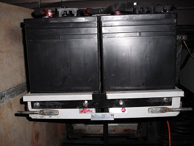 Click image for larger version  Name:battery tray 1.jpg Views:232 Size:249.4 KB ID:112405