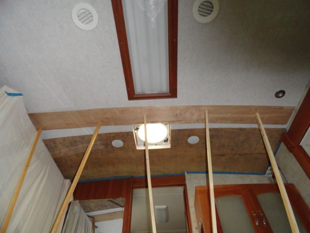 Click image for larger version  Name:Ceiling install.jpg Views:91 Size:35.1 KB ID:114615