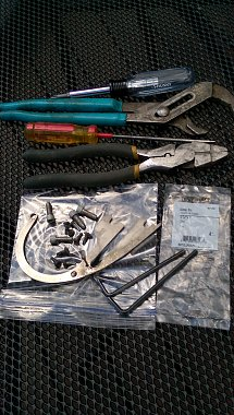Click image for larger version  Name:Tools & Screws.jpg Views:87 Size:334.1 KB ID:130977
