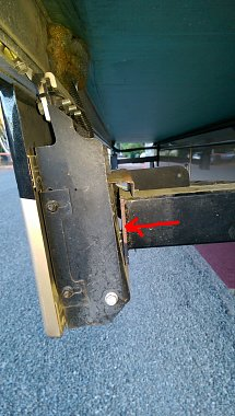 Click image for larger version  Name:bolts 1.jpg Views:106 Size:249.9 KB ID:132741