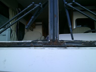 Click image for larger version  Name:Windshield Frame Rust.jpg Views:184 Size:192.5 KB ID:146892