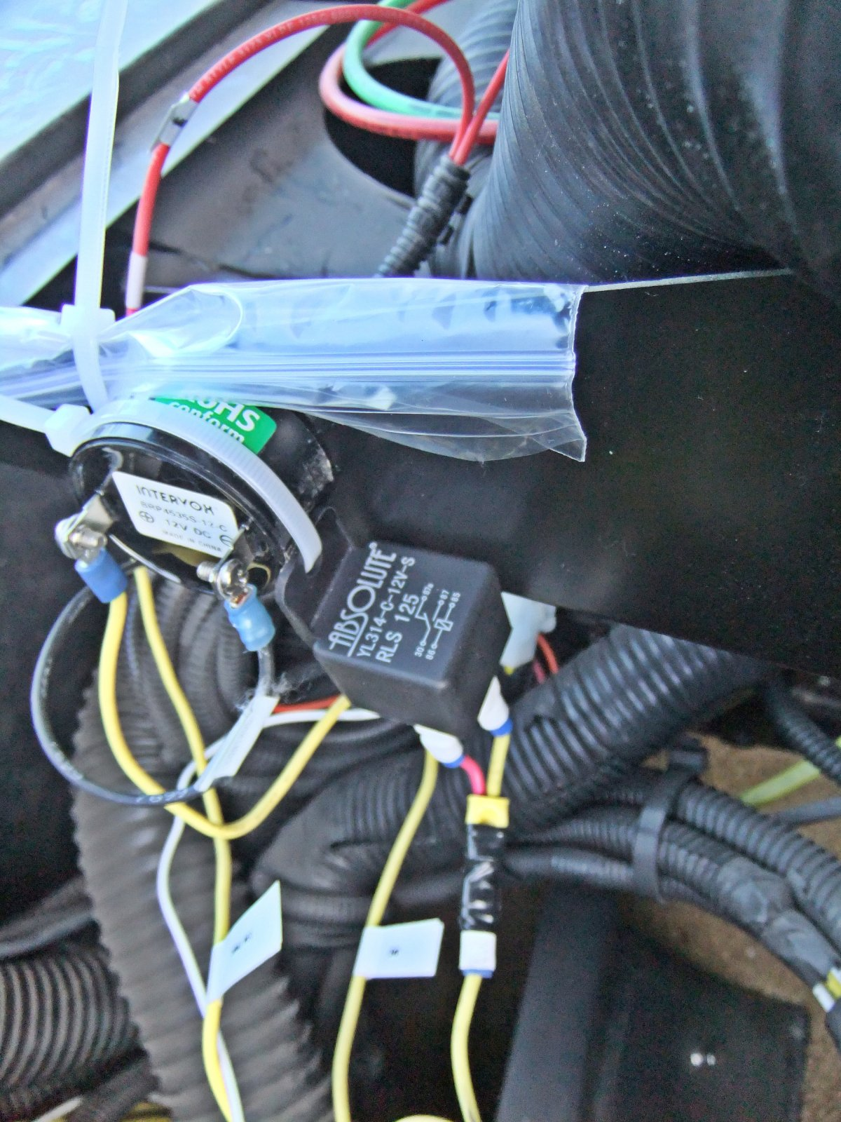 Click image for larger version  Name:Relay mounting.jpg Views:63 Size:351.6 KB ID:153665