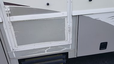 Click image for larger version  Name:MH door scratched.jpg Views:26 Size:144.7 KB ID:170122