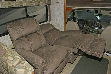 Click image for larger version  Name:Recliner-2.jpg Views:92 Size:311.5 KB ID:170811