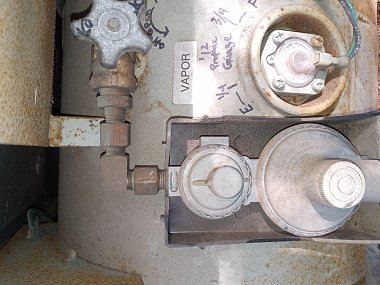 Click image for larger version  Name:my RV propane tank regulator.jpg Views:14 Size:410.8 KB ID:176012