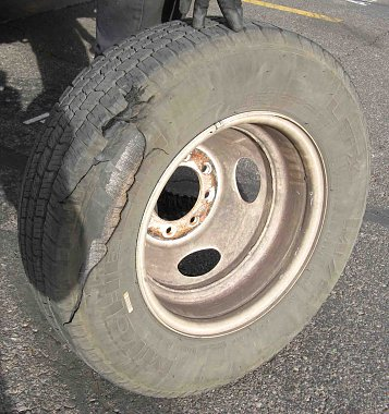 Click image for larger version  Name:Blown Tire.jpg Views:119 Size:407.9 KB ID:48791